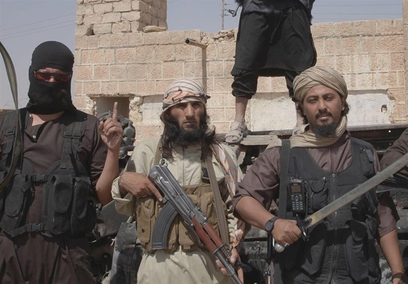 عضو ارشد طالبان: داعش خوارج عصر حاضر است و جهاد علیه آن وظیفه شرعی است