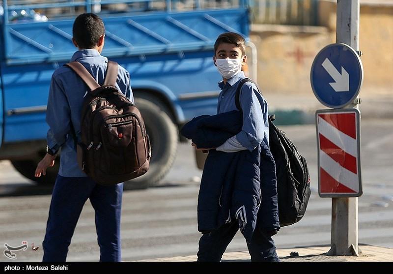 کرمان| وزش طوفان شدید مدارس بخش نگین کویر فهرج را به تعطیلی کشاند