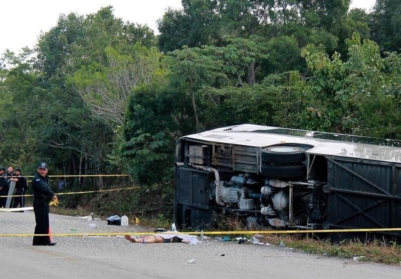 مرگ 12 گردشگر خارجی در واژگونی اتوبوس حامل گردشگران+تصاویر