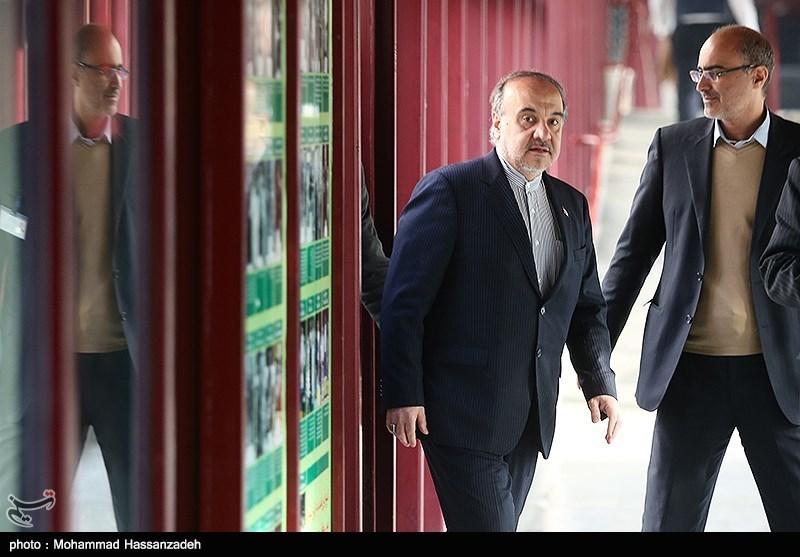 آیا وزیر ورزش با حضور بازنشستهها در انتخابات فدراسیون فوتبال موافق است؟