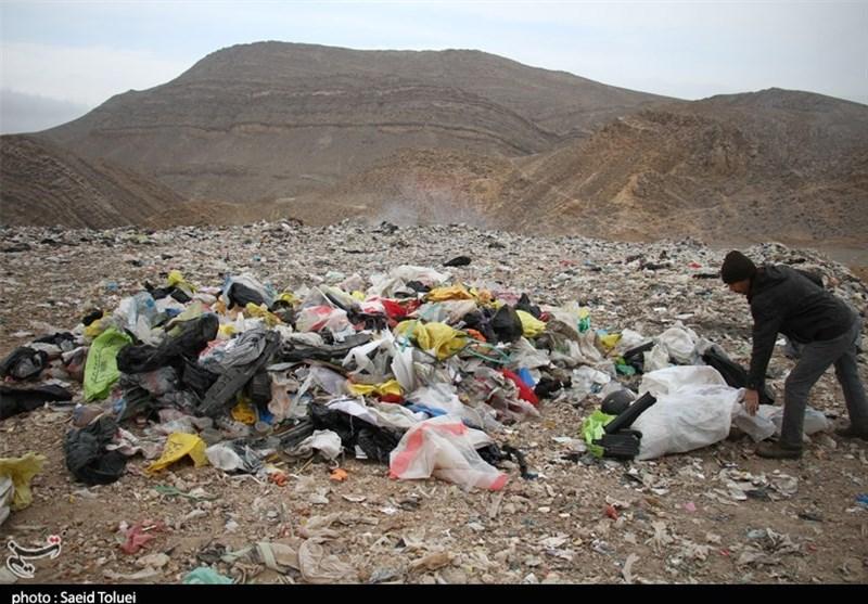 اجرای لاکپشتی استانداردسازی محل دفن زباله نهاوند