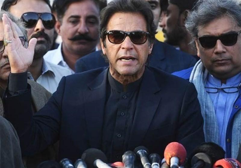 عمران خان: شہباز نے اپنے بھائی نواز کیساتھ وفا نہیں کی، قوم و ملک کیلئے کیسے مخلص ہوسکتا ہے؟