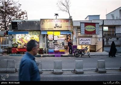 خیابان اُزگل یکی از خیابان های اصلی این محله می باشد