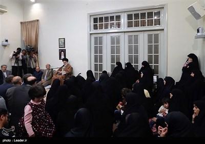 دیدار جمعی از خانوادههای شهدا با مقام معظم رهبری