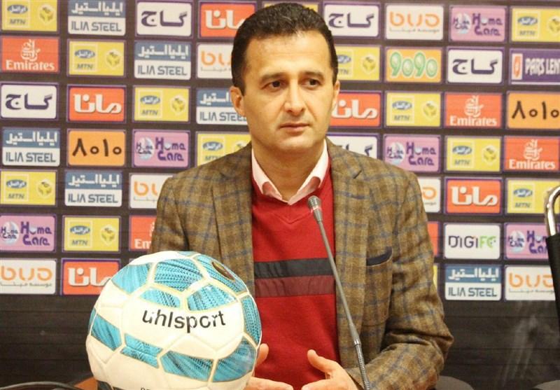 محمودزاده: مشکیپوشان مقابل کارون اروند به میدان نرود 3 بر صفر بازنده میشود/ مسئولان این باشگاه جواب ما را نمیدهند!