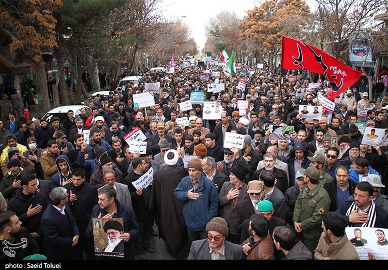 Huge pro-regime rallies in Iran as protests die down