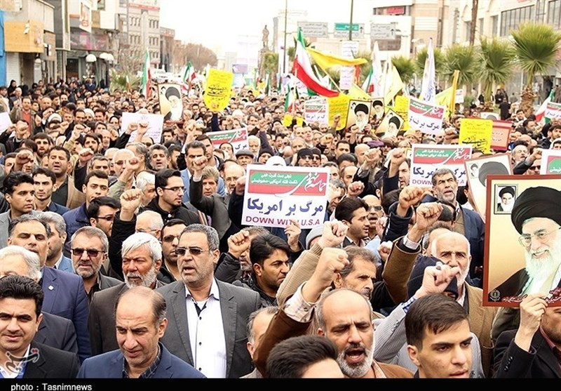 راهپیمایی محکومیت اغتشاشات اخیر در شهرستانهای استان قزوین برگزار شد