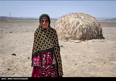 زینت 26 ساله در روستای جورین زندگی میکند