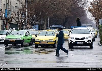 تہران میں بارش کے بعد خوشگوار موسم
