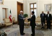 ظریف اولین سفیر شیلی پس از انقلاب اسلامی را به حضور پذیرفت