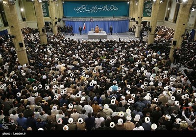Leader Ayatollah Khamenei Receives People from Iran's Holy City of Qom