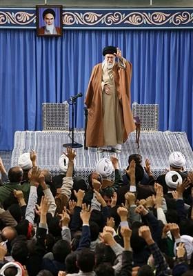 تقریر مصور.. الامام الخامنئی یستقبل الآلاف من أهالی قم