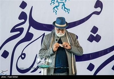 غلامرضا موسوی تهیه کننده در مراسم قرعهکشی سیوششمین دوره جشنواره فیلم فجر