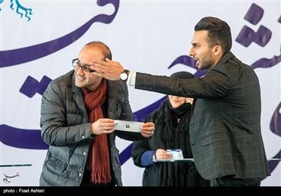 روح الله حجازی در مراسم قرعهکشی سیوششمین دوره جشنواره فیلم فجر