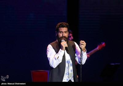 سی و سومین جشنواره موسیقی فجر| کنسرت علی زندوکیلی به روایت عکس
