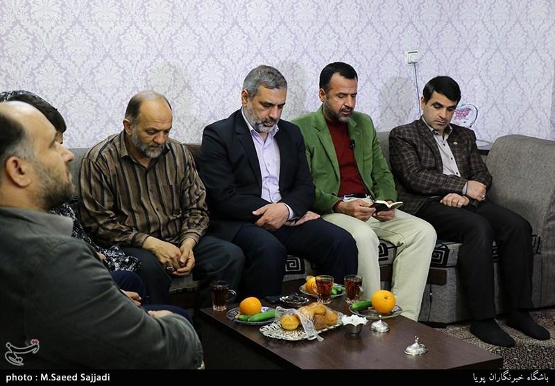 دیدار جامعه قرآنی با خانواده شهید محمدرضا شیخ حسین