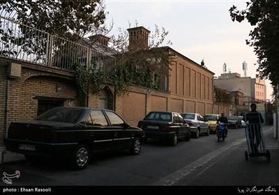 ورودی محله امامزاده یحیی (ع) از سمت خیابان امیرکبیر