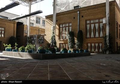 مکان زندگی آیت الله مدرس که زمانی محل آمد و شد شخصیت های برجسته انقلاب اسلامی بوده است