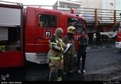 نجات 50 نفر از ساکنان چندین ساختمان در آتشسوزی خیابان ظفر