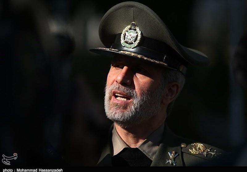 وزیر الدفاع الایرانی یزور آذربیجان
