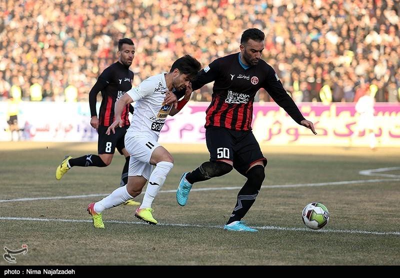 دیدار فوتبال تیم های مشکی پوشان و پرسپولیس - مشهد