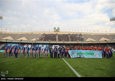 دیدار تیم های فوتبال استقلال و سایپا