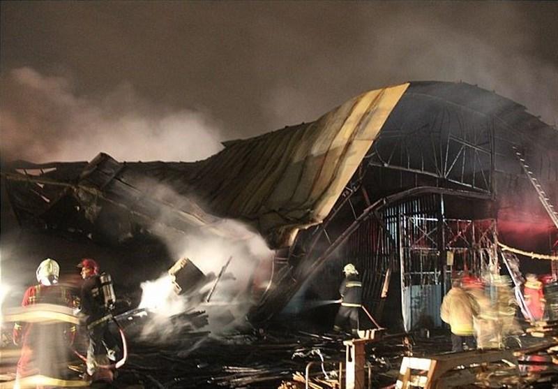 آتشسوزی گسترده در کارگاه 2 هزار متری تولید مبل