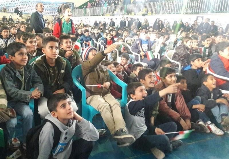 جشنواره دانشآموزی فیلم دفاع مقدس مهمان 32000 نوجوان زلزلهزده کرمانشاهی شد