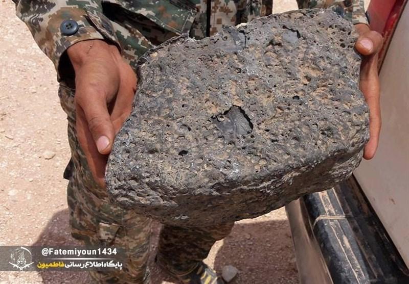 کشف مینهای سنگی اسرائیل توسط رزمندگان فاطمیون+عکس