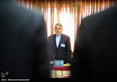 صالحی امیری؛ یک مرد برای چند پُست؛ اعلام آمادگی برای رفتن از شهرداری بدون استعفا!