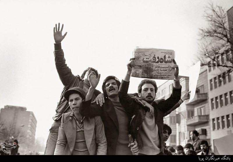 سقوط مجسمه شاه در چهارشنبه سیاه اندیمشک