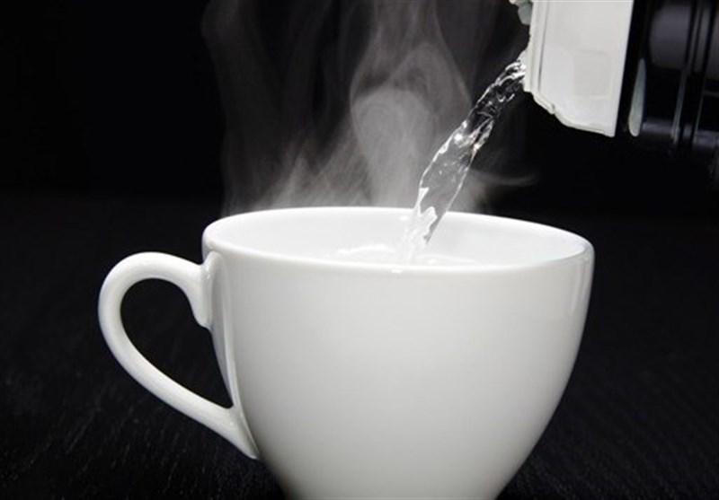 إلیکم الفوائد المذهلة لشرب الماء الدافئ یومیًا