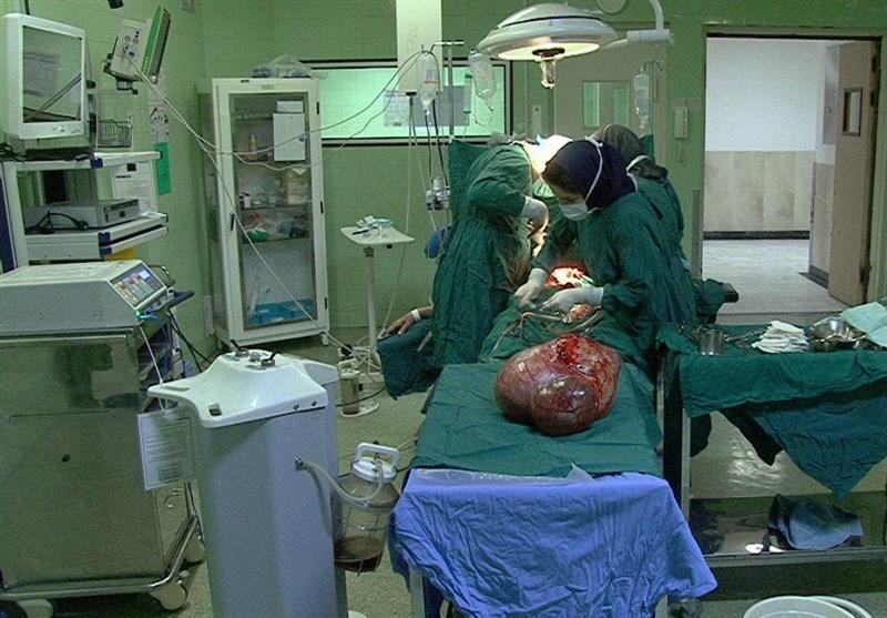 موفقیت پزشکان مراغهای در خارج کردن توده دوازده کیلوگرمی از شکم پیرزن 87 ساله