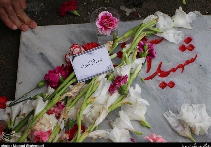 دومین بزرگداشت آتشنشانان پلاسکو در قطعه 50 گلزار شهدای تهران