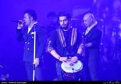 کنسرت موسیقی علیرضا طلیسچی خواننده پاپ در نهمین شب سی و ششمین جشنواره موسیقی فجر