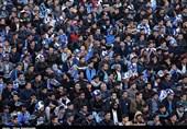 حاشیه دیدار استقلال - مشکیپوشان درخواست عجیب هواداران استقلال از داور بازی