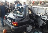 له شدن پراید بعد از تصادف با کامیونت در بزرگراه ستاری + تصاویر