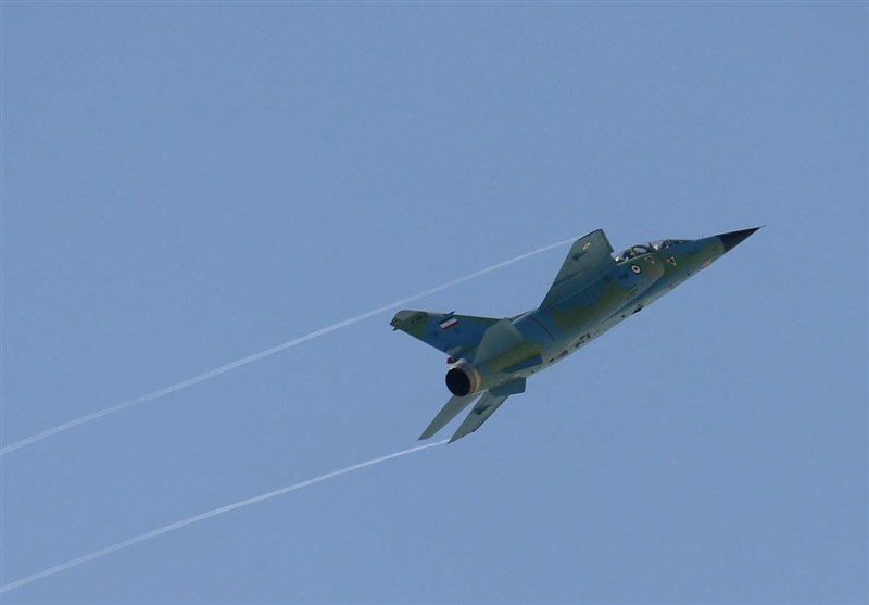 Iranian Warplanes Warn Off '2 Coalition Vessels' - Admiral