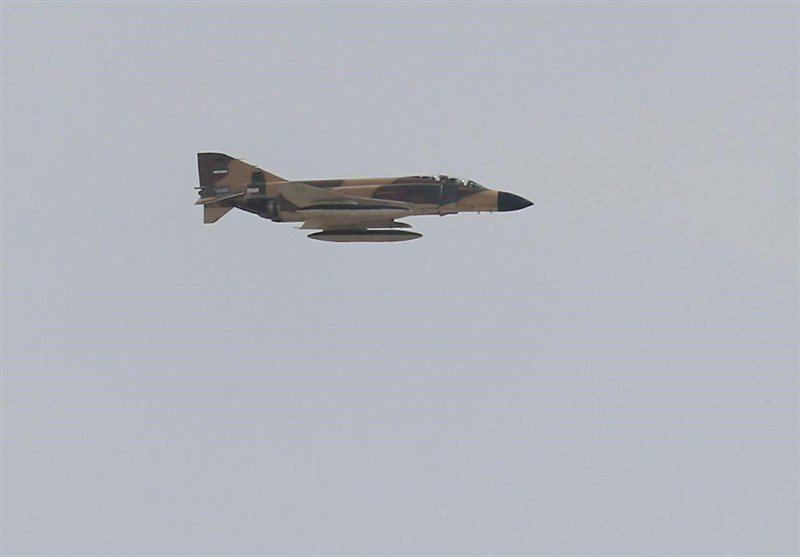 تمرین جنگندههای ارتش و سپاه برای رژه 31 شهریور در بندرعباس