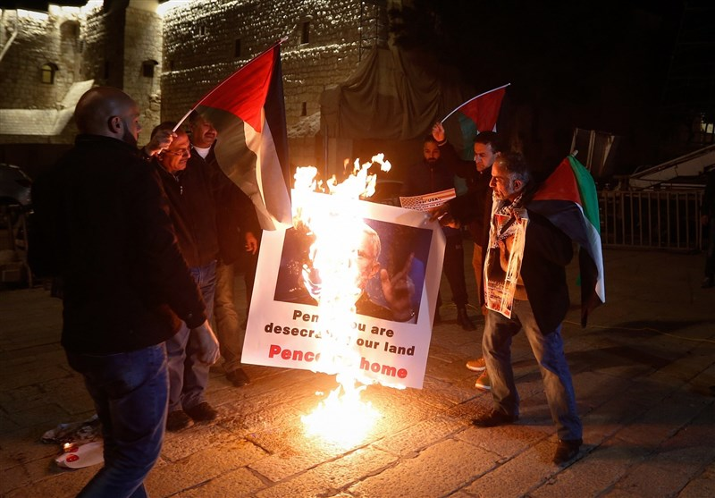 Palestinians Burn Photo of Pence in Bethlehem