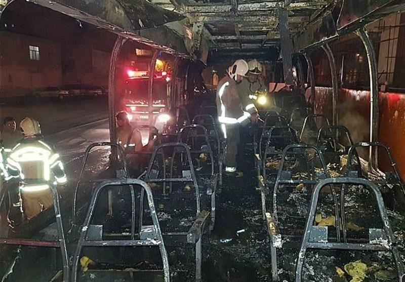 آتش گرفتن ناگهانی یک اتوبوس در شهرری + تصاویر