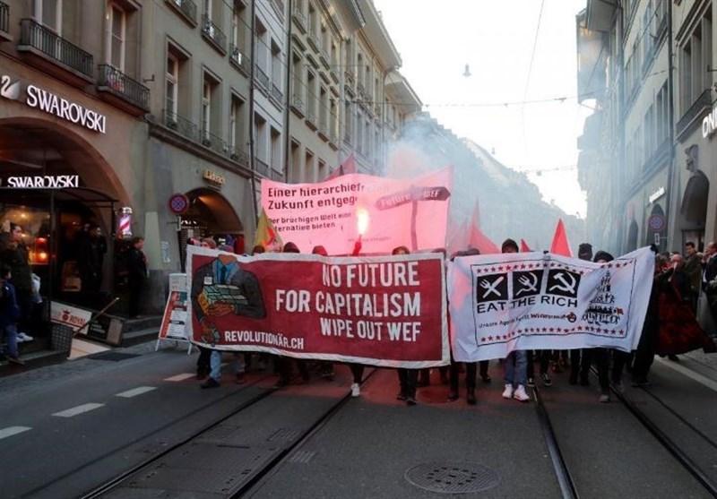 تصاویر| اعتراض سوئیسیها به حضور ترامپ در اجلاس داووس