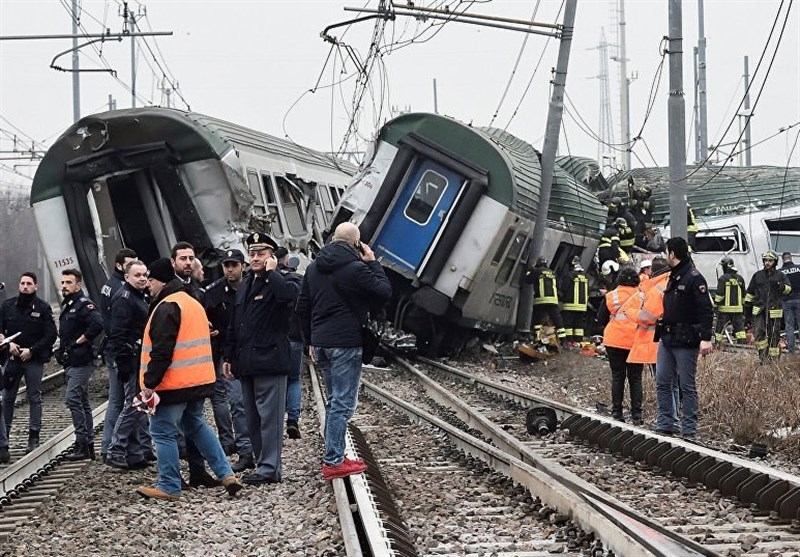 Train Derails near Italy's Milan, at Least Two Dead