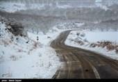 بارش 20 سانتی برف در 22 روستای آمل
