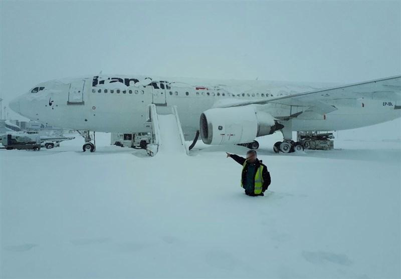 برف در فرودگاه
