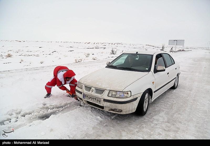 همدان| امدادگران هلالاحمر به بیش از 1900 نفر در طرح زمستانه امدادرسانی کردند