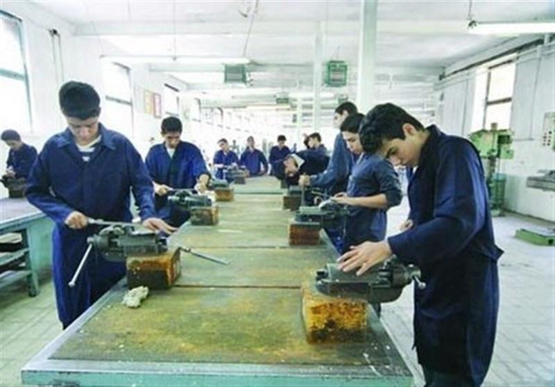 معاون سازمان آموزش فنی و حرفهای: کارآموزان نخبه مهارتی حمایت شوند