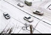 برف و باران به جادهها برگشت
