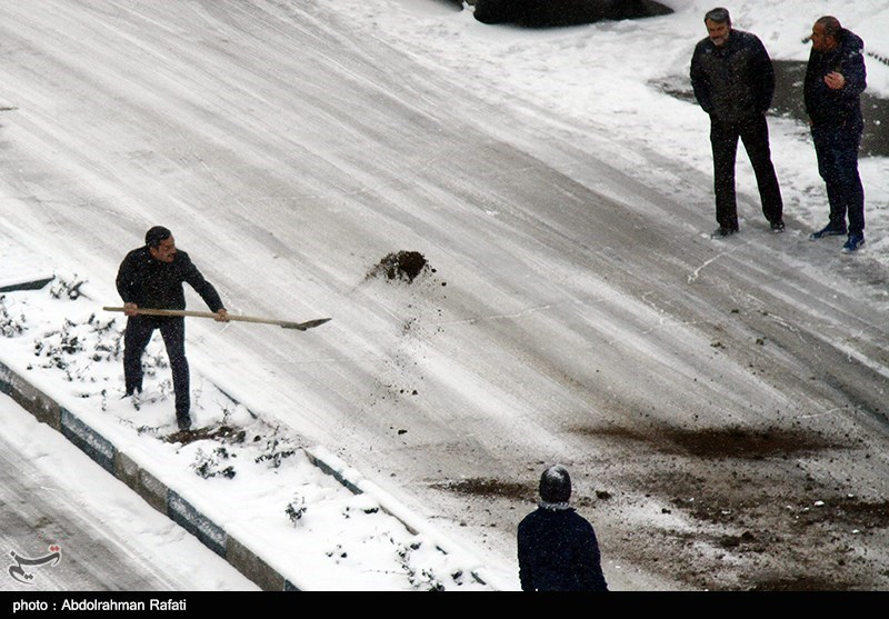 اردبیل  بارش برف در اردبیل نوروز را غافلگیر کرد
