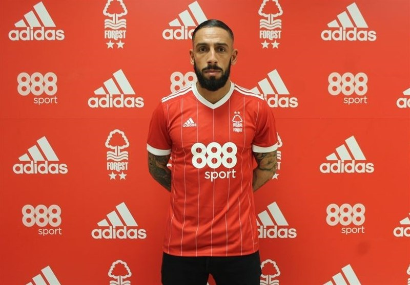 Nottingham Forest Signs Iran's Ashkan Dejagah